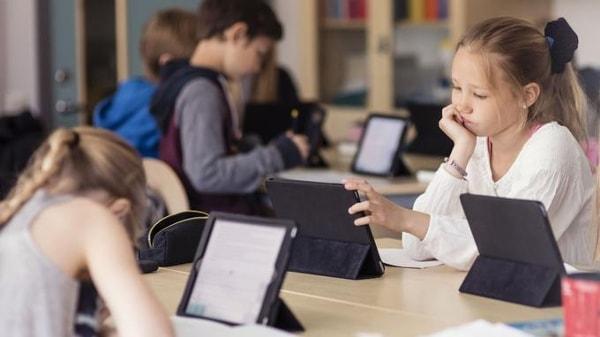 Comment l'intelligence artificielle pénètre le monde de l'éducation